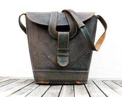 Antiquité de l'Arc - Paris - Vêtements et accessoires vintage